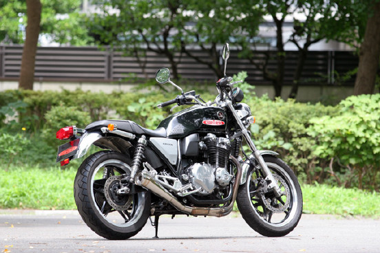 CB1100 POWER BOX Two Tail